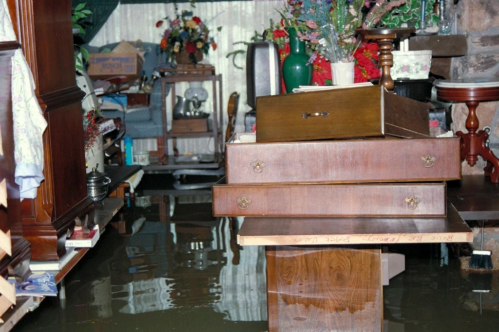 water damage claim assistance from a water damage insurance public adjuster